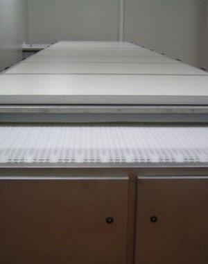Horizontální chladící tunely pro chlazení čokoládových forem