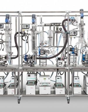 Laboratorní vícestupňová destilační jednotka
