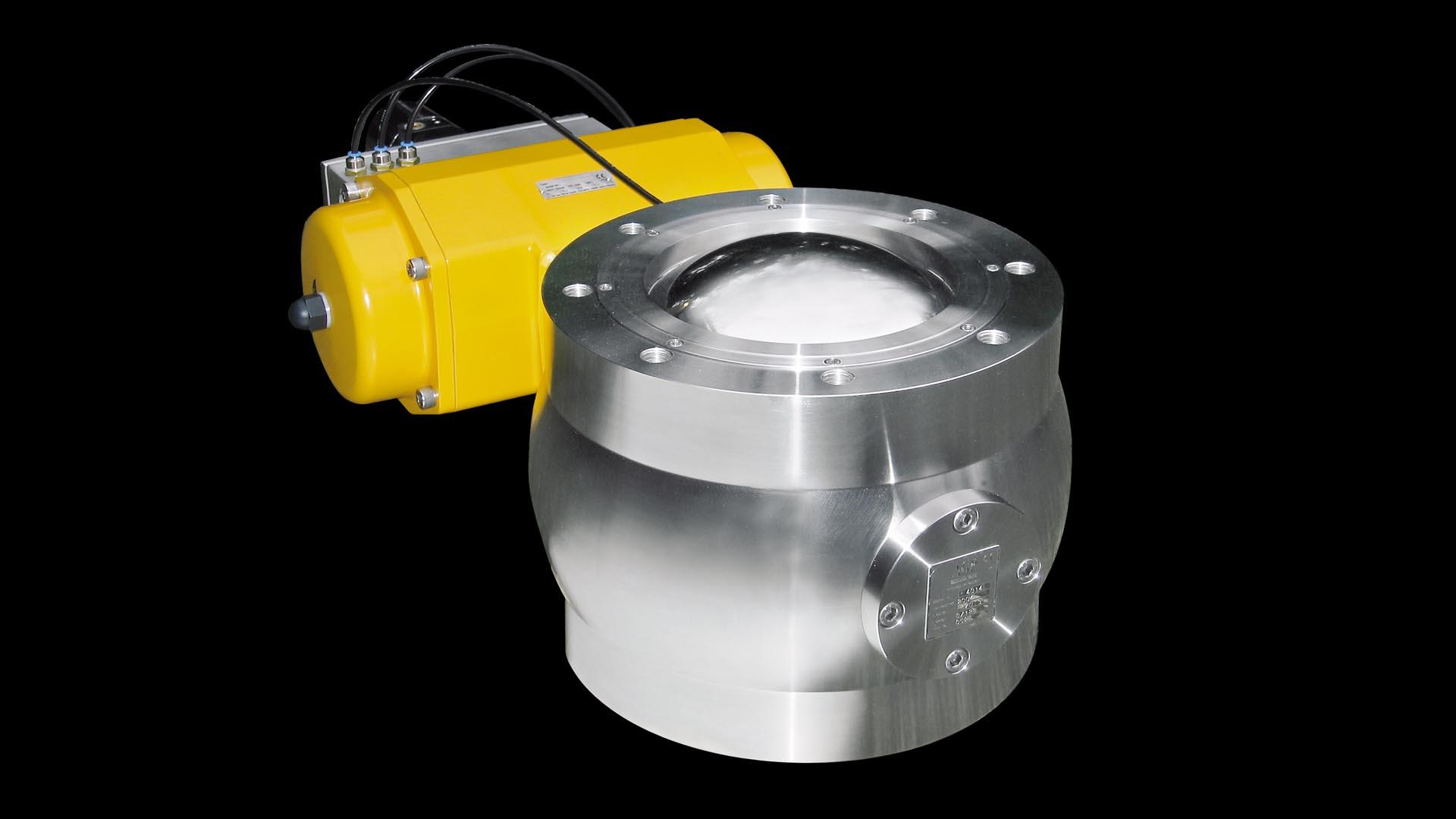 Dělený segmentový kulový ventil pro procesy vyžadující zamezení úniku produktu